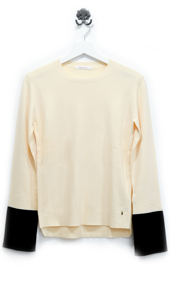 cream-sweater-with-black-detail